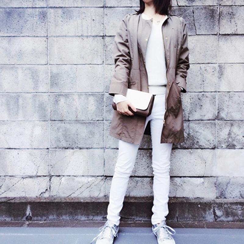 ファッションを楽しんでいる女性の写真