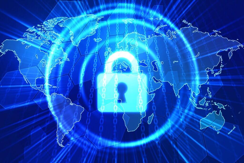 世界地図の上に鍵穴があり、セキュリティで守られている様子