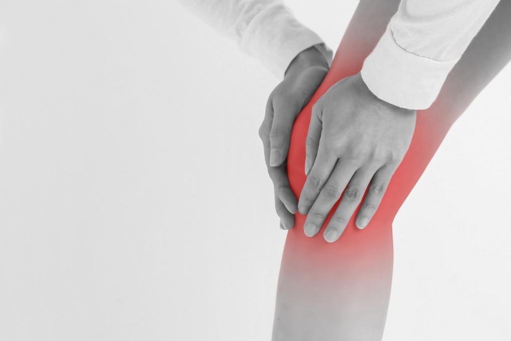 膝が痛い人