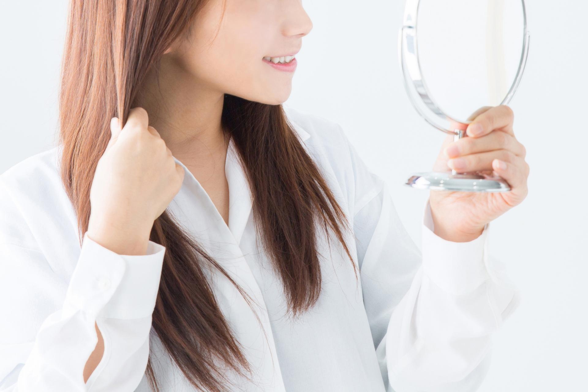 サラサラな髪の毛の女性